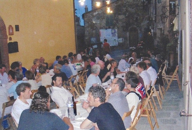 "An Evening To Remember In Montisi A ""full house"" by Author Ian Kent"