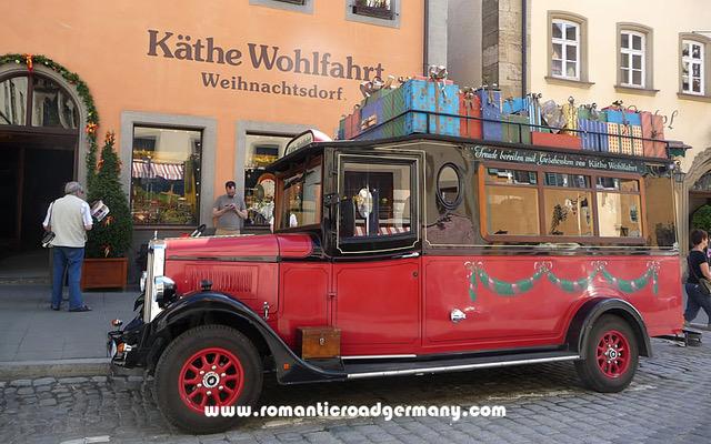 Author Ian Kent Käthe Wolfahrt's Chriskindlmarkt